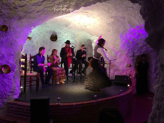 El Templo del Flamenco: Amazing performing