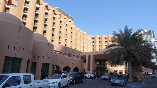 Sheraton Abu Dhabi Hotel & Resort: Sheraton Abu Dhabi Front