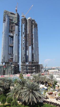 Sheraton Abu Dhabi Hotel & Resort: Sheraton - Zimmer mit Meeres-/Pool-Blick