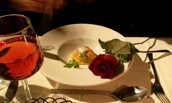 The Excelsior Bistro: Scallops (appetizer)