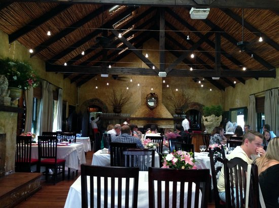 Casalinga Ristorante Italiano : Flowers were on all of the tables