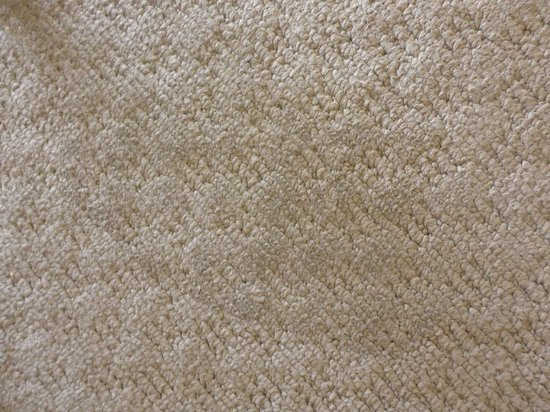 Mantra Twin Towns: more carpet stains
