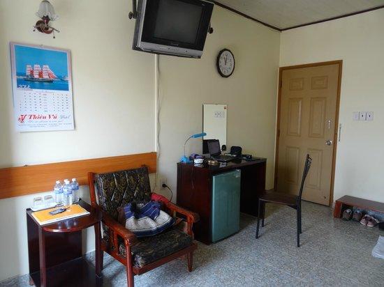 Thien Vu Hotel: entree et bureau