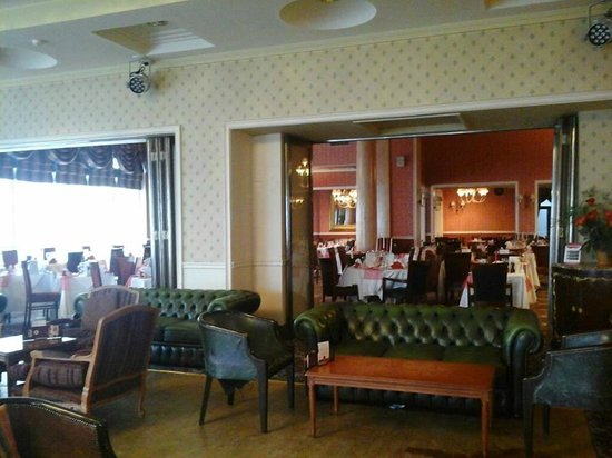 Royal Hotel Scarborough: lounge bar and dining area