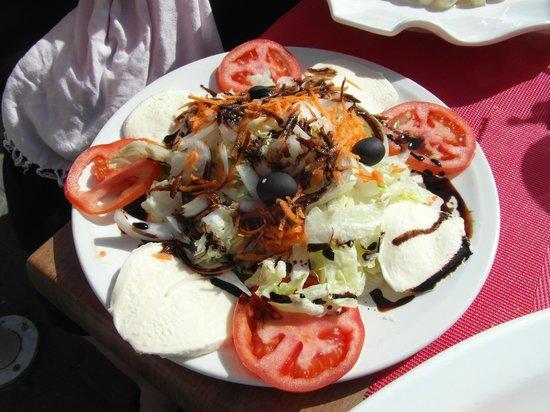 Tomato & mozarella salad
