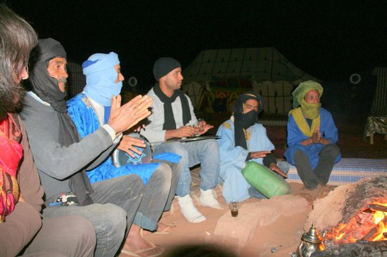 Bivouac Razgui Sahara: soiree au bivouac