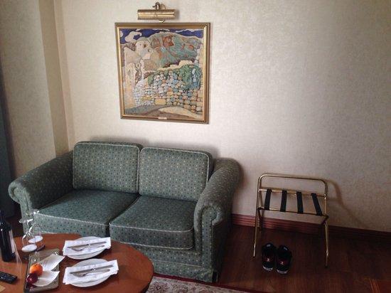 Electra Palace Thessaloniki: Superior Suite - Wohnbereich - Esstisch