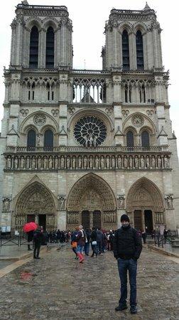 Cathédrale Notre-Dame de Paris : Notre Dame esterno