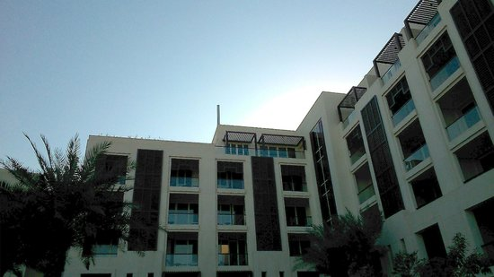 Park Hyatt Abu Dhabi Hotel & Villas : Park Terrace Suite viewed from pool area