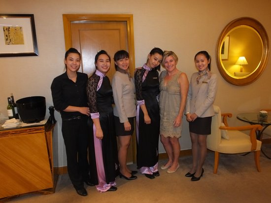 Caravelle Saigon: My wife and the girls in the Signature loung