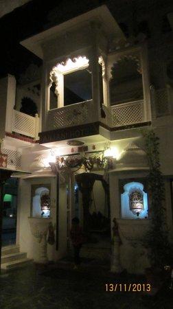 Anjani Hotel: Entrance of Hotel Anjani