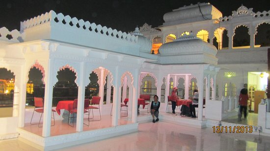 Anjani Hotel: The Roof Top Restaurant