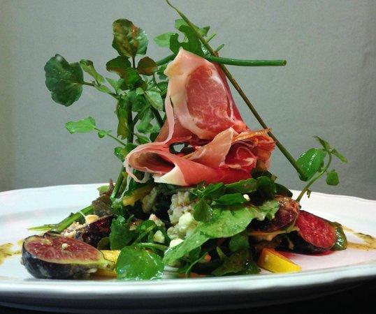 Tin Roof Cafe: Parma, fig & gorgonzola salad