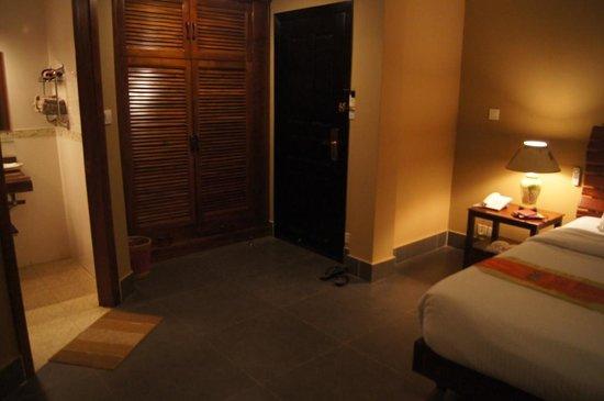 CCC Hotel: 4