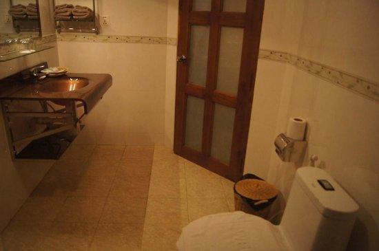CCC Hotel: 7