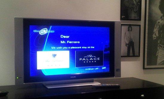 The Palace : La TV con messaggio di Benvenuto