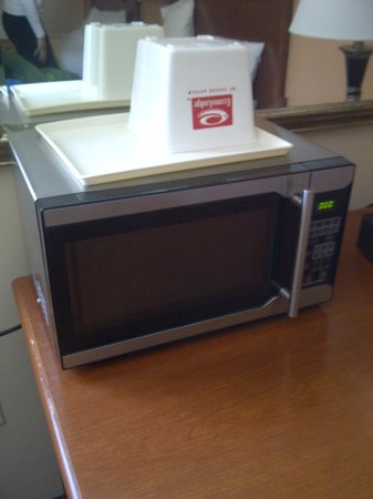 Econo Lodge Pembroke : Microwave in the room looked new