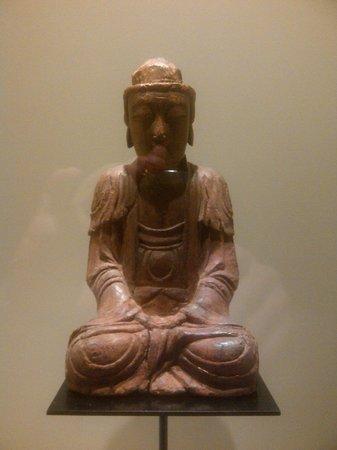 Hotel Urban: Buddhastatue im Zimmer