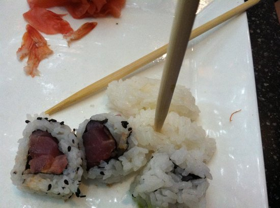Yamato Sushi and Teppan-Yaki Restaurant: Rice was horrible whoever made this doesn't know how to make sushi also they don't know how to c