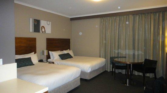 Quality Hotel Dickson: Bedroom