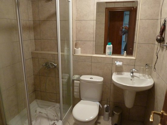 Badkamer - Picture of Hotel Sileks, Ohrid - TripAdvisor
