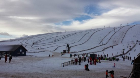 Lecht 2090: View of the runs on the main hill.
