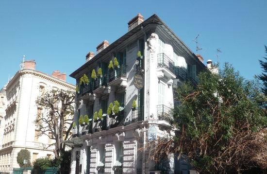 Hotel Villa Rivoli: Facade of building