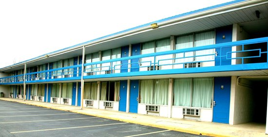 Mountain Inn: Exterior