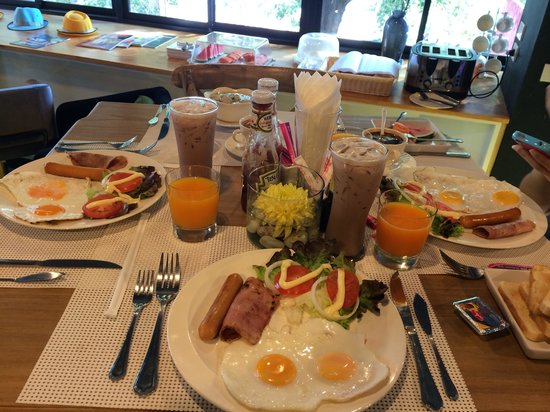 Hug Collection Hotel : Breakfast