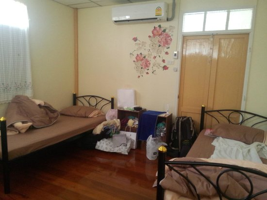 FAB House Bangkok : 3-bed Dorm with A/C