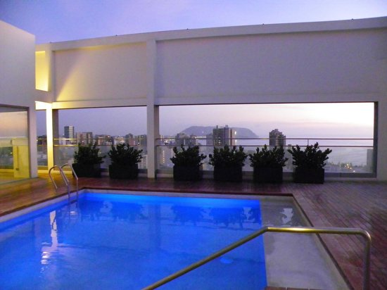 Dazzler Lima: Rooftop Pool area with views