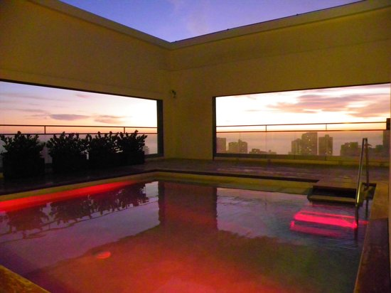 Dazzler Lima: Rooftop pool area - stunning sunset views