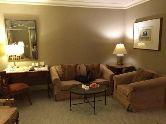 The Ritz-Carlton, Seoul : Living room