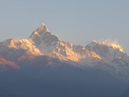 Sarangkot: Annapurna sunrise