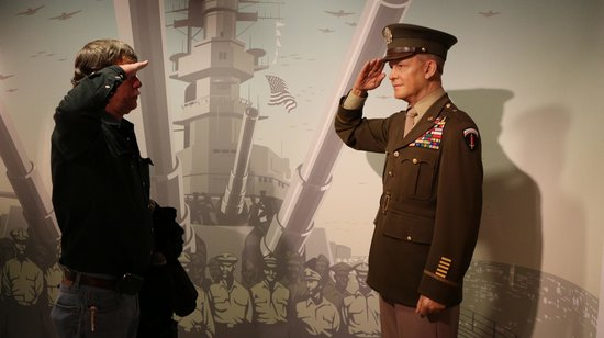 Madame Tussauds DC : Saluting a great General and President