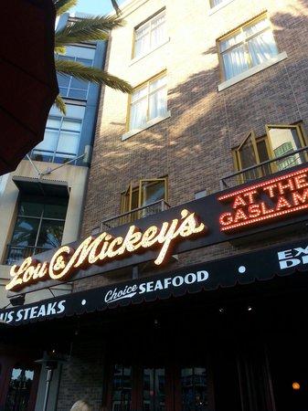 Lou & Mickey's: Lou & Mickeys restaurant