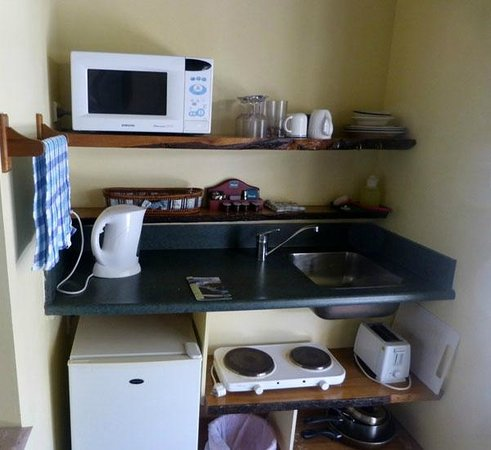 Glow Worm Accommodation : Small kitchen in room, well stocked
