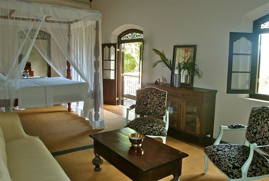 Galle Henna Estate : master bedroom