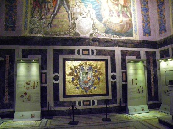 Iglesia y Santuario de Santa Rosa de Lima: Altar