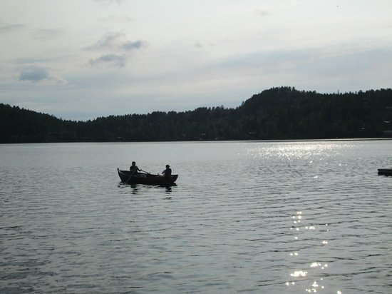 Meldal, Norge: Lake with free use of rowboats