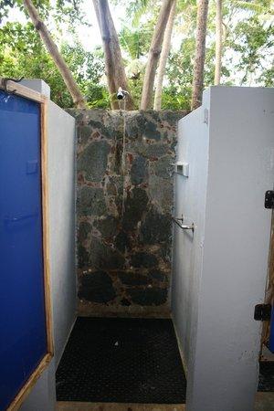 Cinnamon Bay Campground: Women's Shower