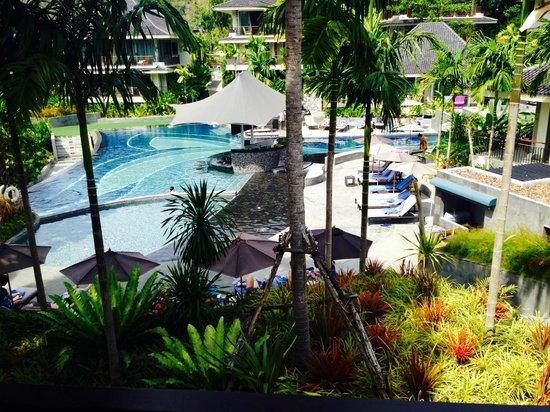 Mandarava Resort and Spa : Fin utsikt på poolen med poolbar