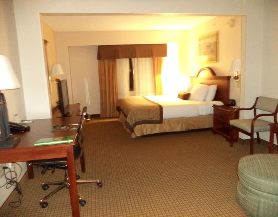 Wingate By Wyndham Charlotte Airport I-85 / I-485 : Room