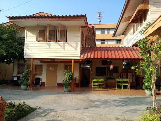 FAB Hostel Bangkok: Guesthouse