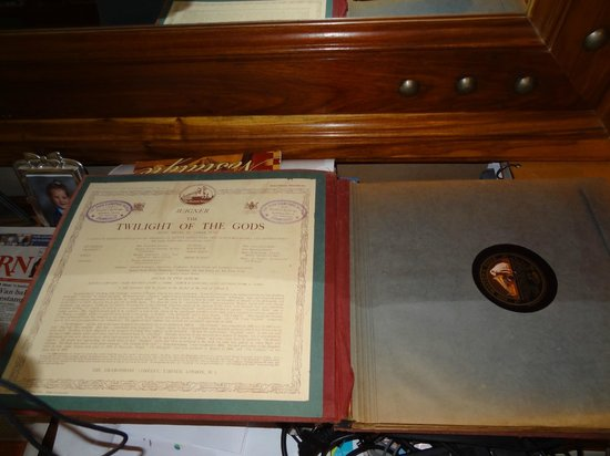 La Pension Guest House: LP's for Wagner's opera Twilight of the Gods prominently displayed is Errol's office - good tast