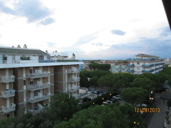 Park Hotel Brasilia: Вид с балкона на город