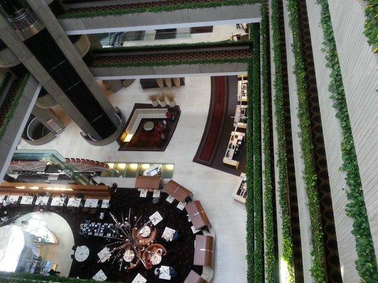 Hyatt Regency O'Hare: Main atrium