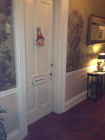 Pinehill Inn : The door to our room