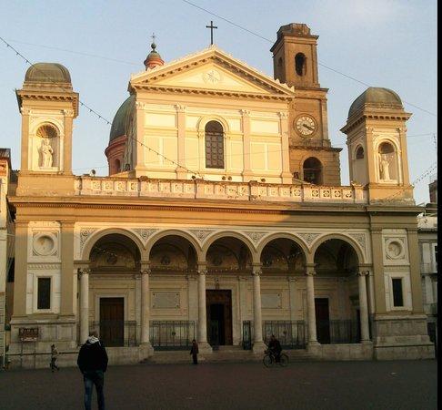Nola, Italie: getlstd_property_photo