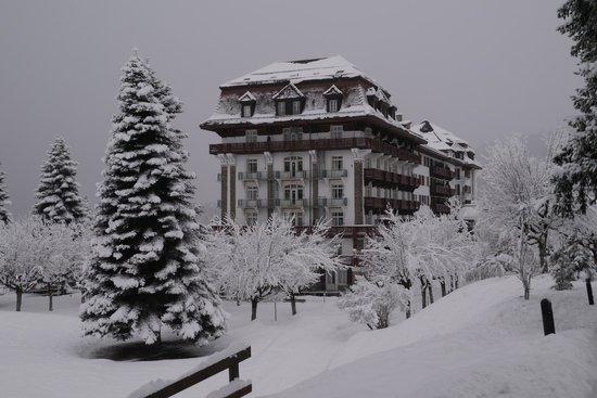 Villars-sur-Ollon, Schweiz: Le Villars Palace sous la neige